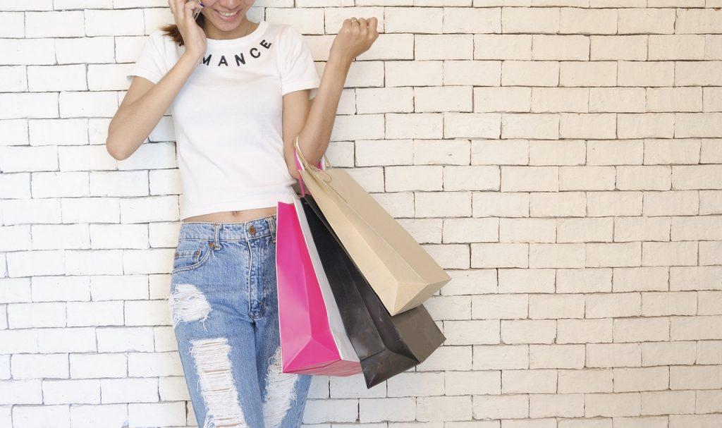 girl, shopping bags, standing-2581913.jpg